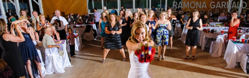 Fun Bouquet Tosses : Gudlite Entertainment
